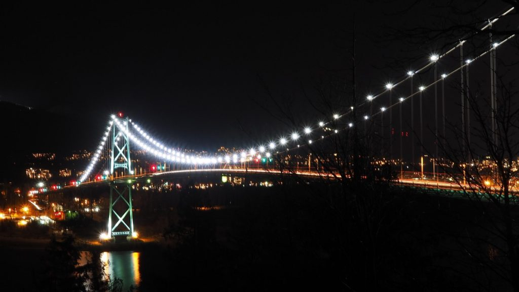 Night shot of Lion's Gate Bridge.