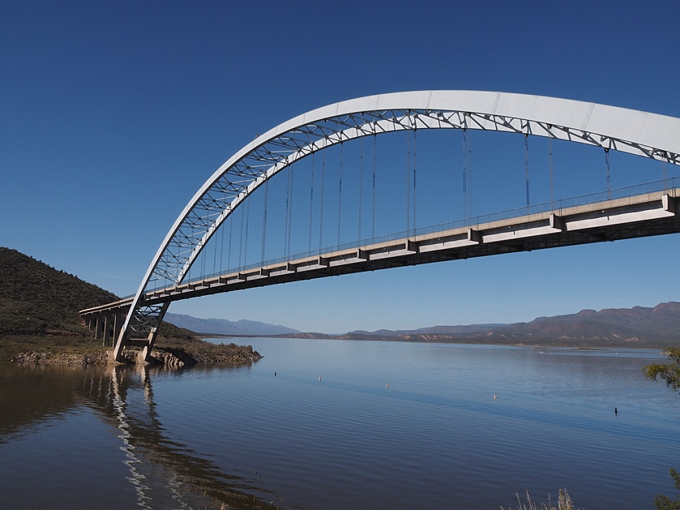 Roosevelt lake Bridge, showcasing its arc